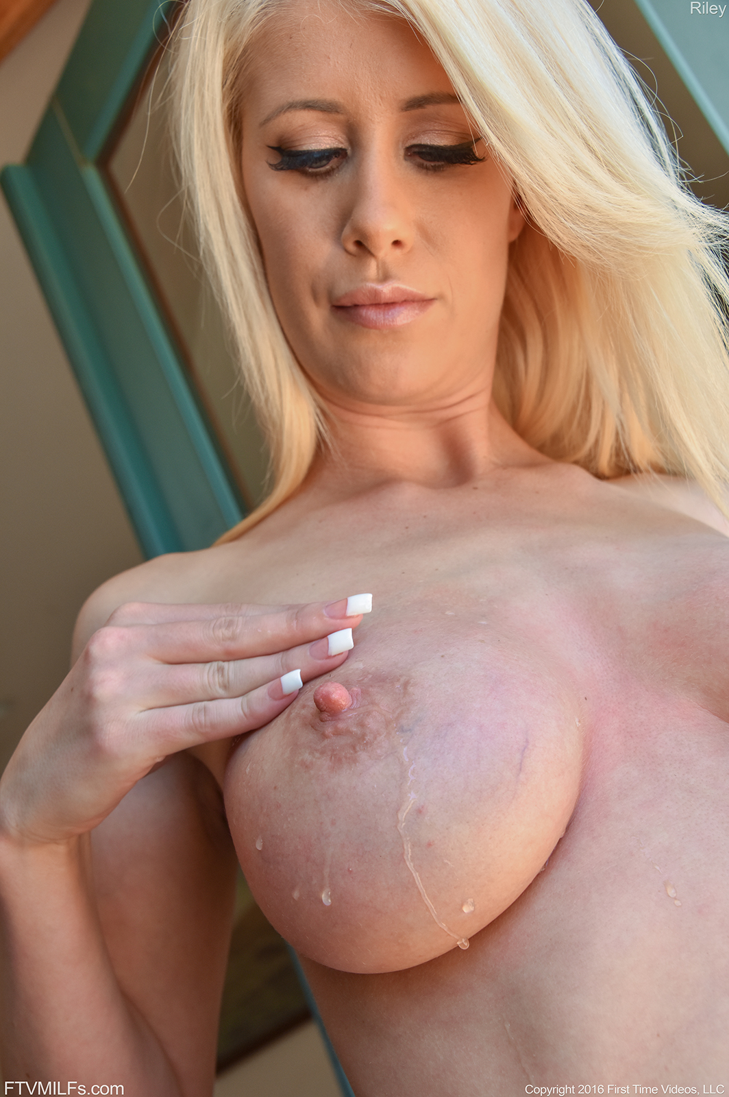 Hot naked girls squeezing their their big boobs