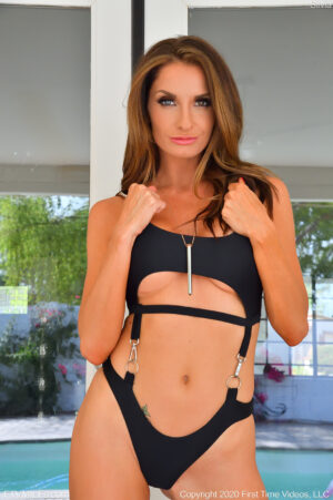 Gorgeous chestnut haired mature beauty Silvia modeling her new swimsuit and masturbating