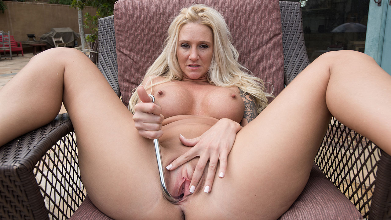Blonde Mature Babe Alexis Masturbates With Her New Metal Toy