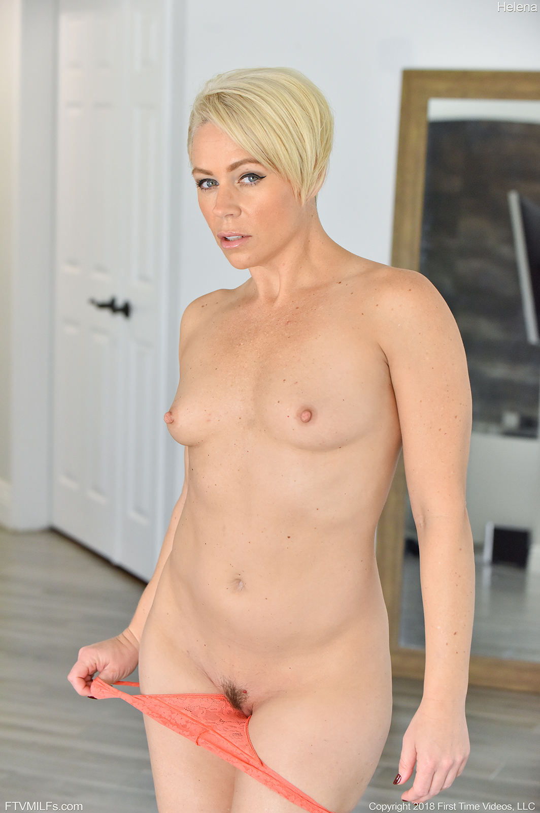 Short haired MILF Helena makes herself cum with two toys